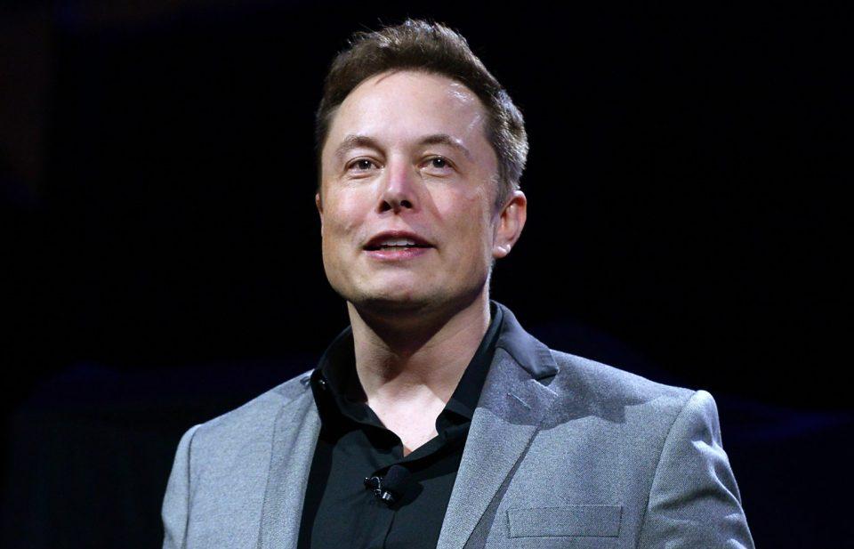 Илон Маск изгуби пет милијарди долари по веста за сообраќајна несреќа со Тесла