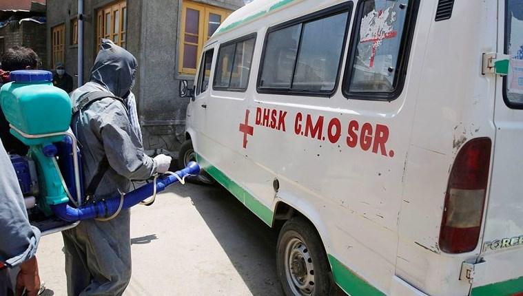Велика Британија со помош од 1 000 дополнителни респиратори во Индија
