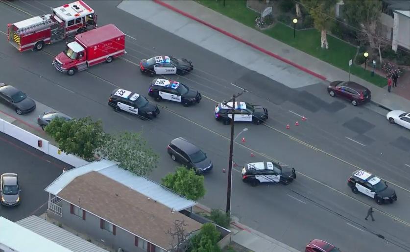 (ВИДЕО) Масакр во Калифорнија: Убиени најмалку четири лица, меѓу нив и мало дете