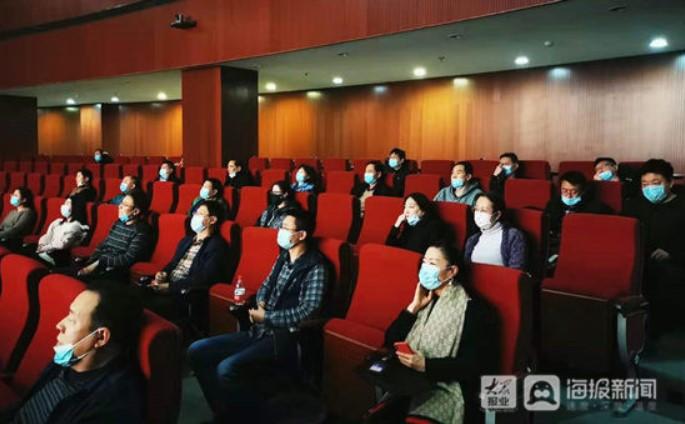 Еден век комунизам во Кина – ќе го прослават со прикажување пропагандни филмови кои ја фалат партијата на власт