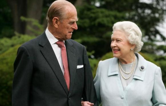 Кралицата засади рози за принцот Филип, денес би бил неговиот 100-ти роденден