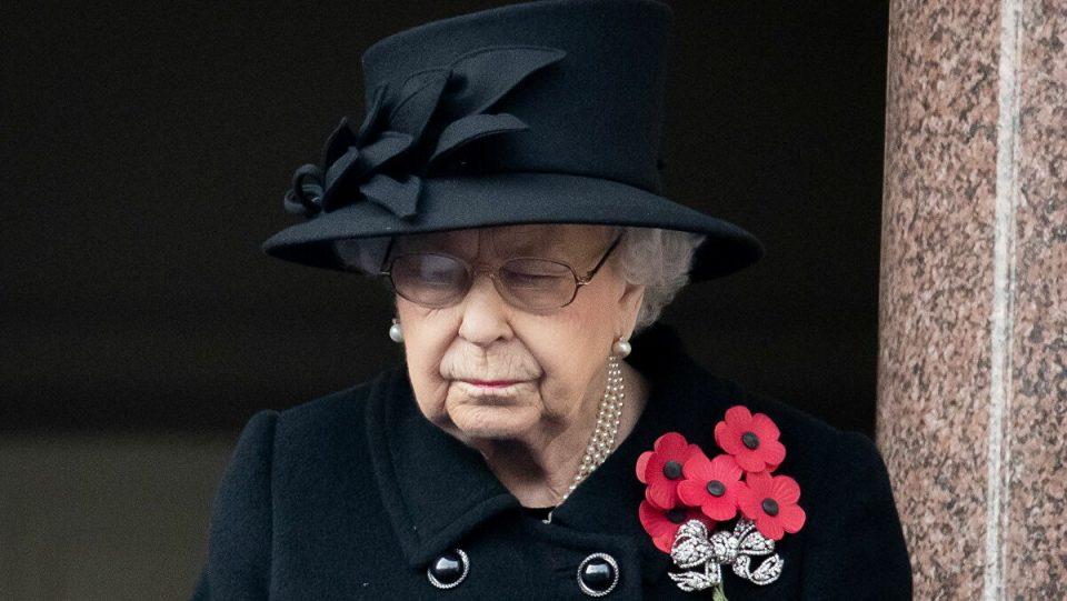 Кралицата Елизабета со трогателна посвета до нејзиниот сопруг на 50-годишнината од нивниот брак