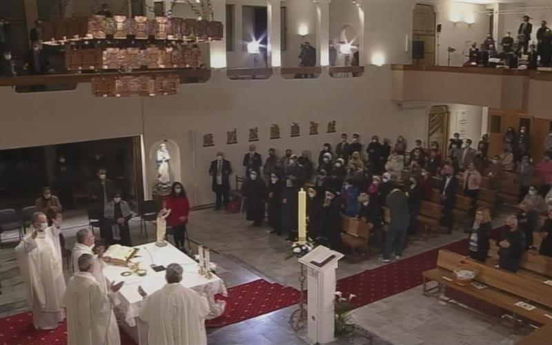 Воскресна проповед на бискупот Стојанов: Велигденската радост ги исполнува и нашите срца