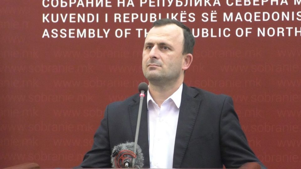 Митрески ја повика опозицијата повторно да ги поднесе интерпелациите за Николовски и за Маричиќ