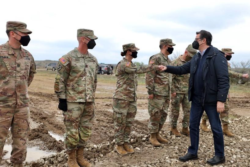 """Пендаровски го посети Армискиот Полигон """"Криволак"""""""