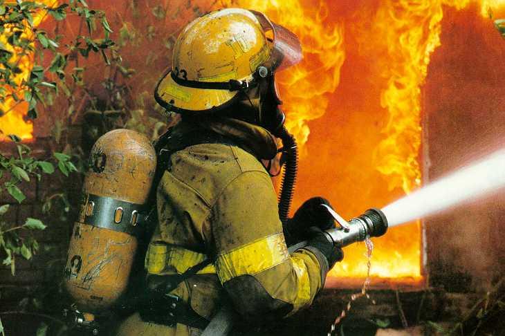 Повреден пожарникар