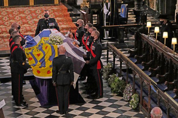 Принцот Филип сам си го испланирал погребот, погледнете што стоеше на неговиот ковчег
