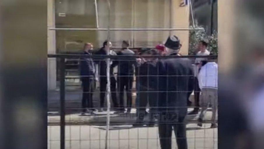 Полицаец ранет на избирачко место близу Тирана