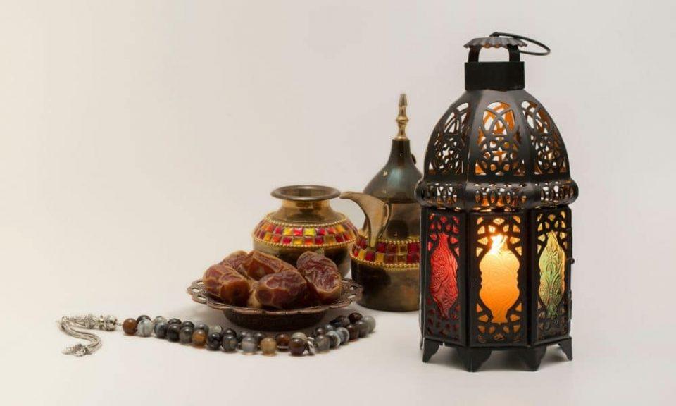 Заев и Спасовски на граѓаните од исламска вероисповед им го честитаа Светиот месец Рамазан