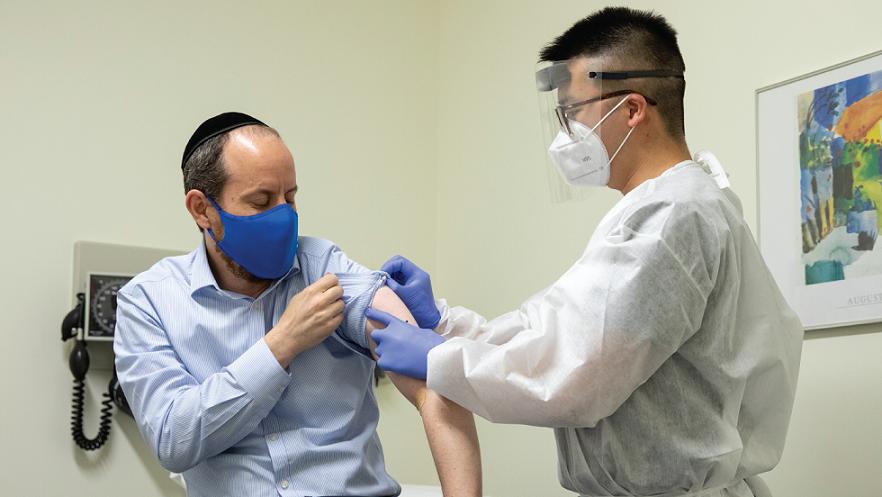 Вакцинирани над 100 милиони лица во САД
