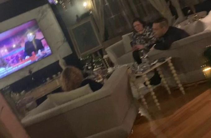 ВМРО-ДПМНЕ: Шекеринска седеше со рекетарите Катица Јанева и Боки 13, а не е повикана ниту во суд
