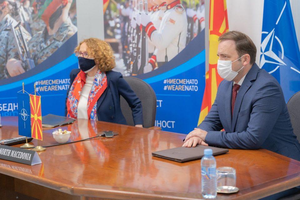Шекеринска и Османи на видео состанок со колегите од НАТО за заедничките приоритети