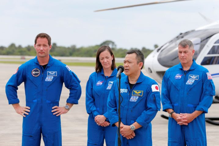 Четворица астронаути од Спејс Икс ќе бидат однесени на Меѓународната вселенска станица