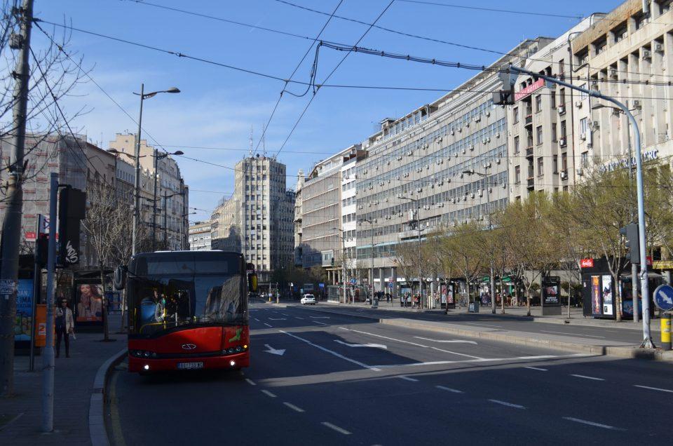 Во Србија нови мерки, но трговските центри, кафулињата и рестораните остануваат затворени