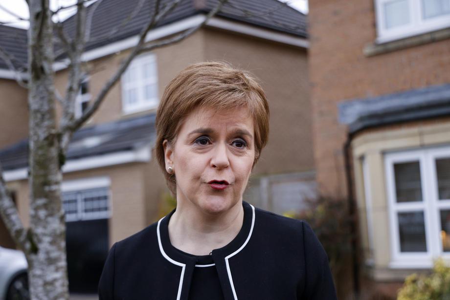 Прво да заврши короната, потоа референдум за независност на Шкотска