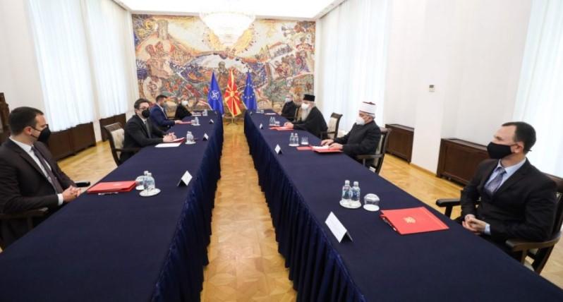 Пендаровски се сретна со поглаварите и претставниците на верските заедници