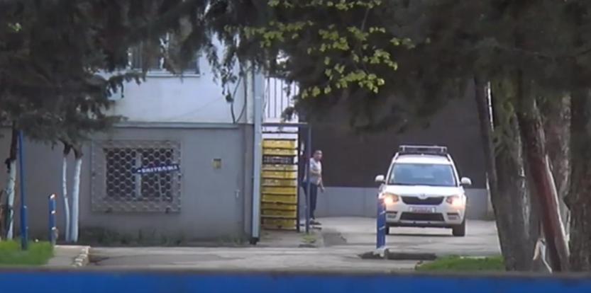 (ВИДЕО) Полицијата го спроведе Рашковски во Шутка