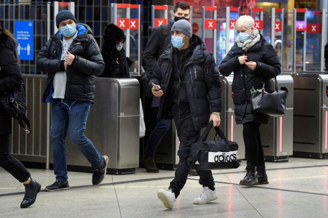 Шведска најави построги ограничувања доколку се зголеми притисокот врз здравствениот систем