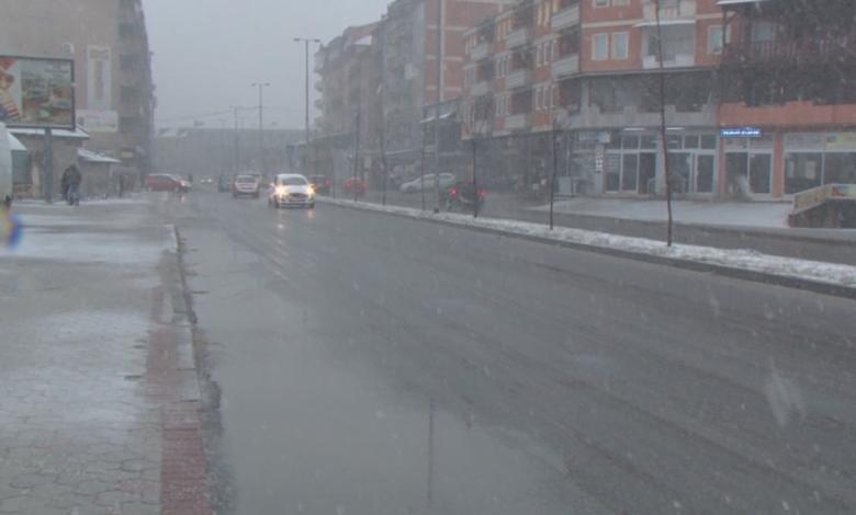 Драма во Тетово: Беснеел за време на полициски час со возило