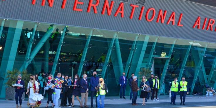 Откажани сите летови на аеродромот во Тирана
