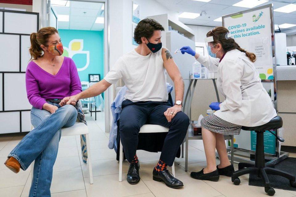 Канадскиот премиер се вакцинираше со Астра Зенека