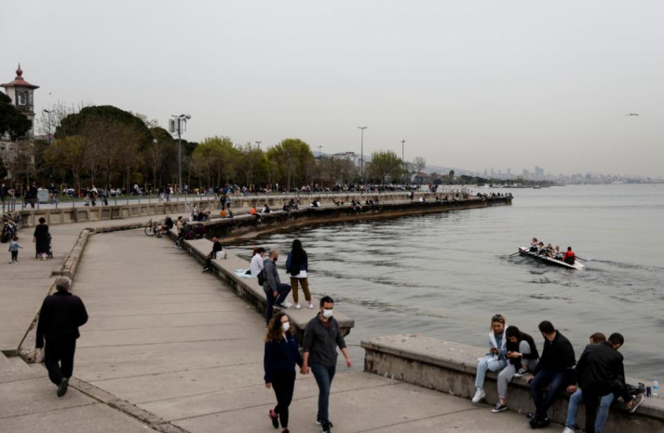 Турција од 19 часот влегува во најсторогото тринеделно затворање од почетокот на пандемијата