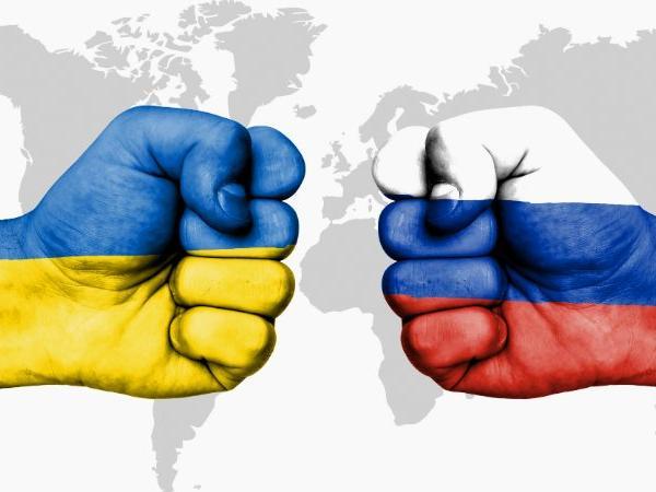 ЕУ со закана кон Русија: Ако ја нападнете Украина, ќе платите огромна цена