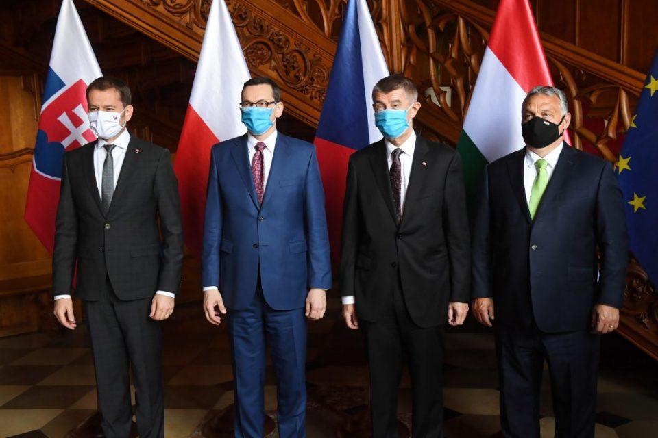 Вишеградската 4-ка обединета: Полска, Унгарија и Словачка ја поддржаа Чешка во протерувањето на руски дипломати