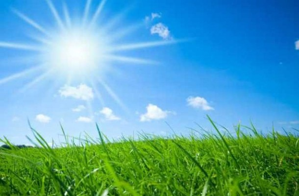 Времето денеска: Сончево, ветровито и топло до 27 степени