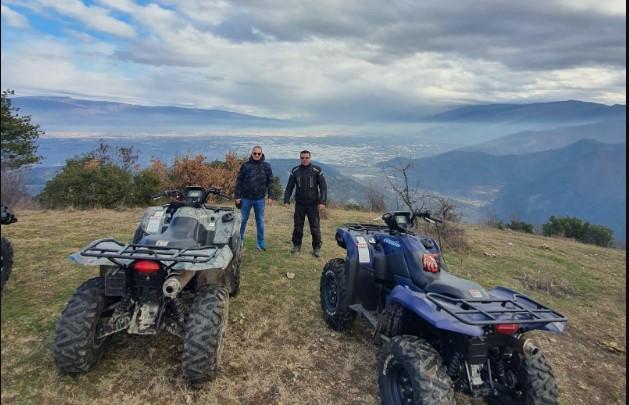"""Стоилковски: Граѓаните седат дома, а Заев и Филипче се гоштеваат во """"Туто"""" на Јанче"""