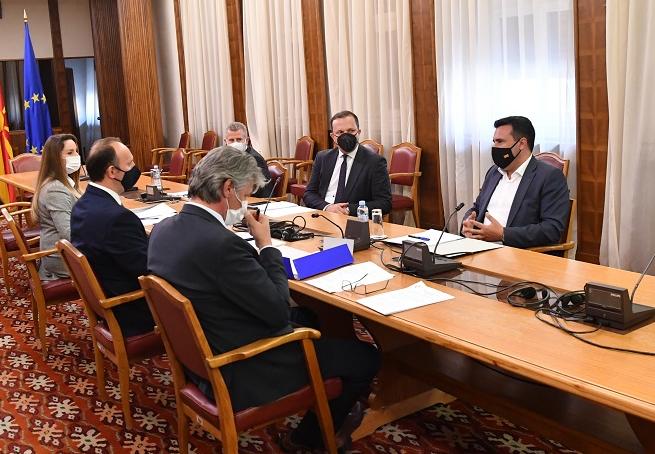 Почна третата средба на Заев со Села и Гаши за решение за законот за државјанство
