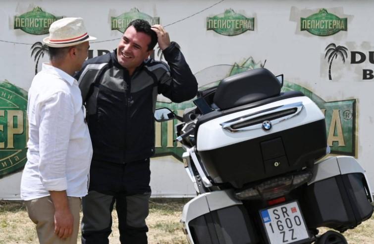 Заев: Возам мотор за да си ги наполнам батериите, викендов направивме убава турнеја