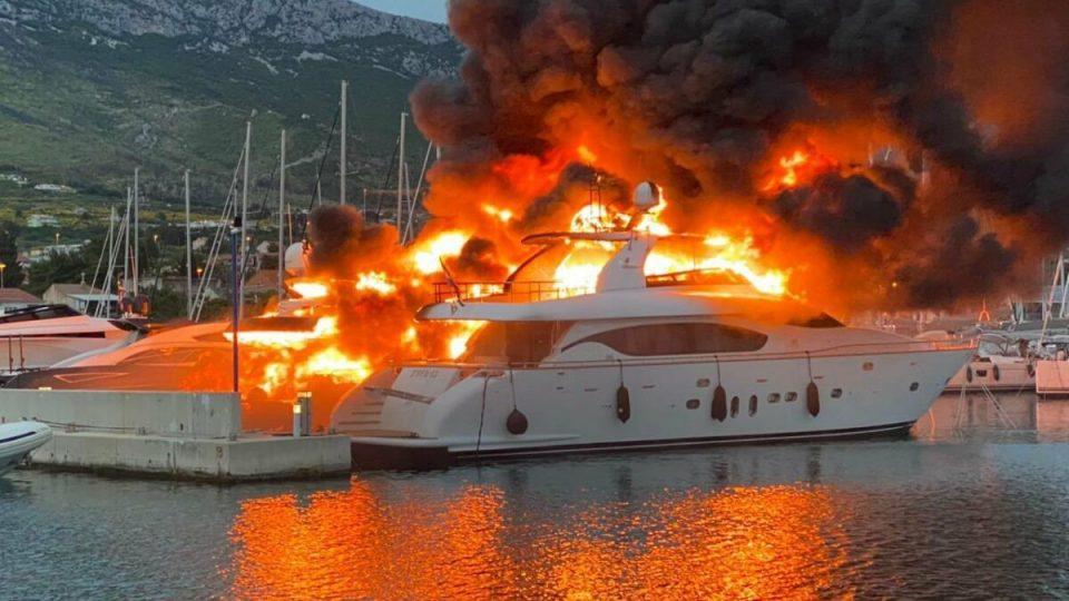 (ВИДЕО) Пожар во Сплит, оштетени 48 јахти