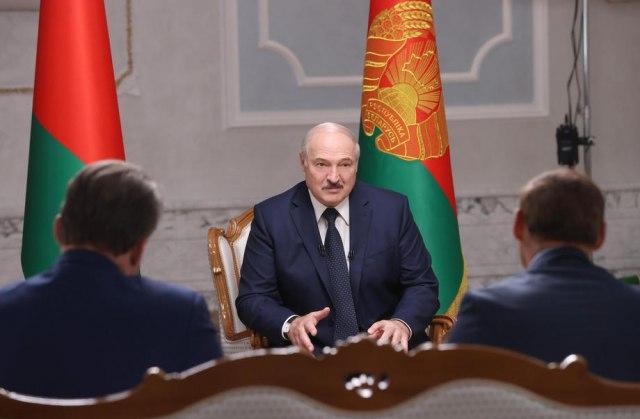 Литванија апелира до своите граѓани: Напуштете ја Белорусија поради опасност