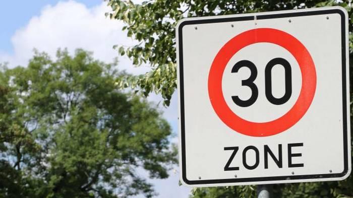 Шпанија ја ограничи брзината на возење во градовите на 30 км на час