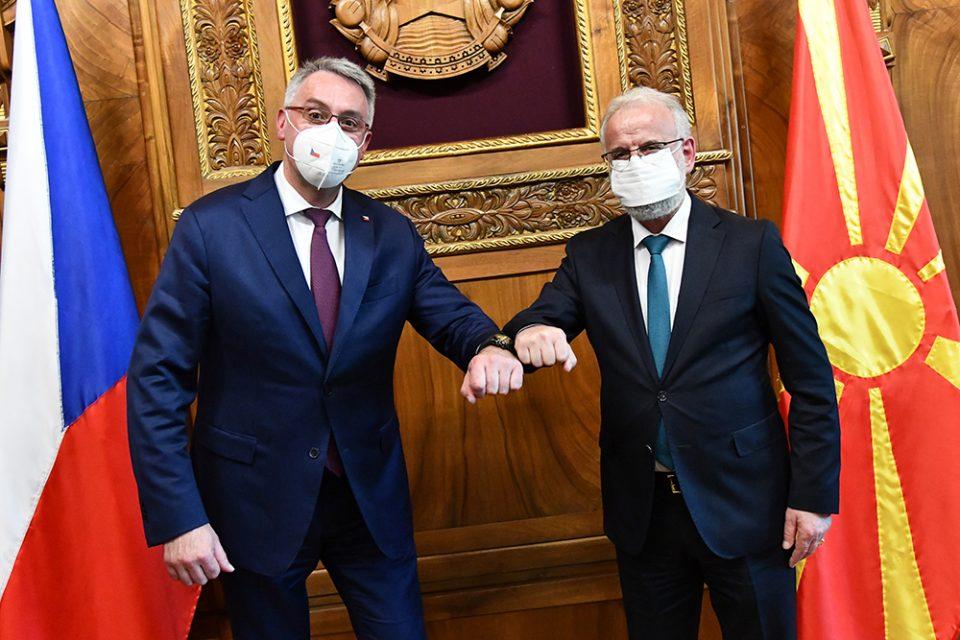 Џафери се сретна со чешкиот министер за одбрана Метнар