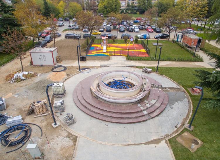 Марин буквално фрли во вода 720 илјади евра за парк со фонтана, обвинува ВМРО-ДПМНЕ