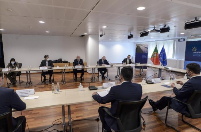 Заев до Силва: Сега Брисел е на потег да ја организира меѓувладината конференција