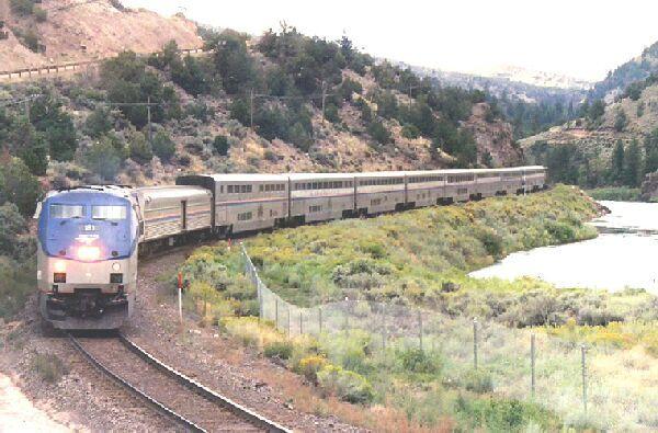 Повеќе лица убиени на железничка во Калифорнија