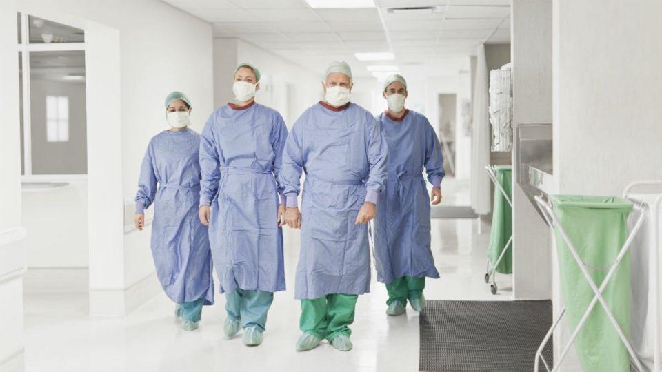 Синдикатот на медицински сестри во САД против препораките вакцинираните да не носат маски