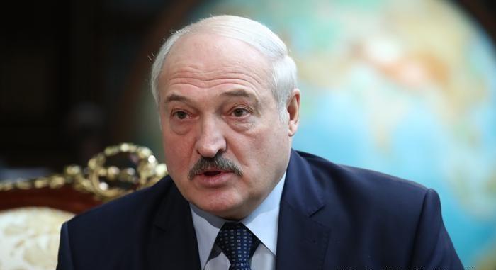 Белоруските власти ја продолжуваат пресметката со новинарите: Уапсен главниот уредник на белоруски портал