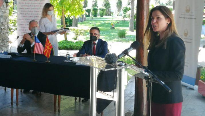 С. Македонија направи чекор напред со Преспанскиот договор и НАТО, но тој чекор мора да се одржува, вели Брнз