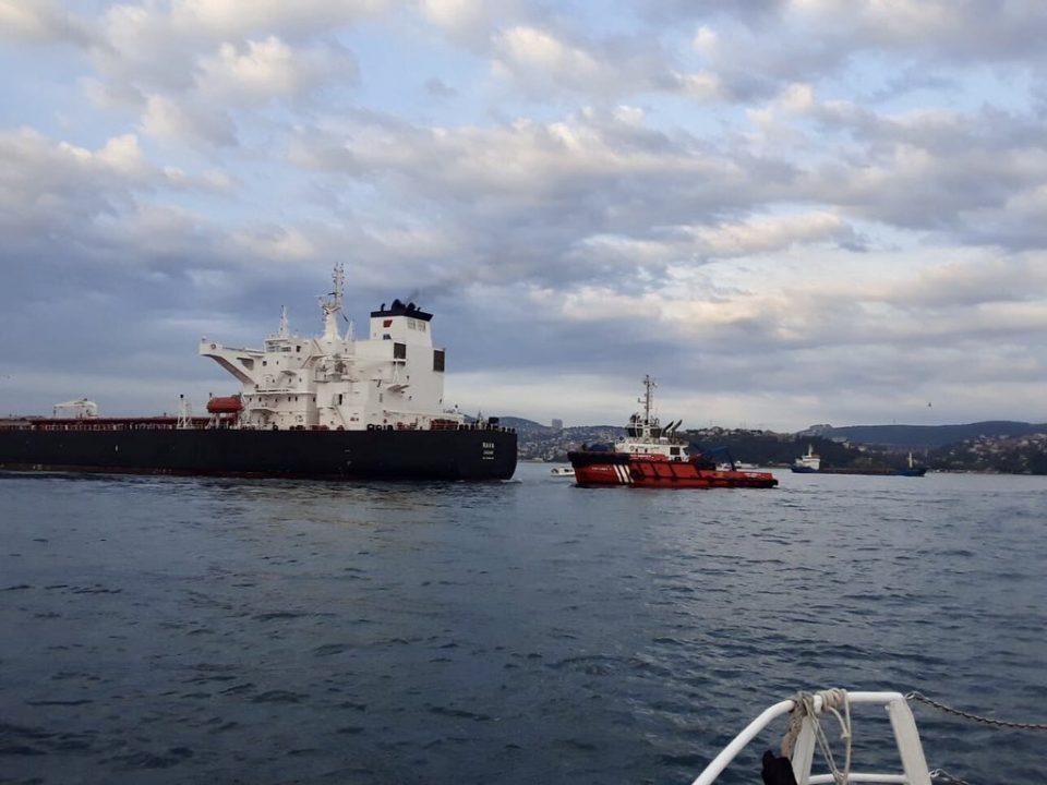 За малку избегната катастрофа: Хрватски танкер со нафта изгуби контрола. Босфорот блокиран !
