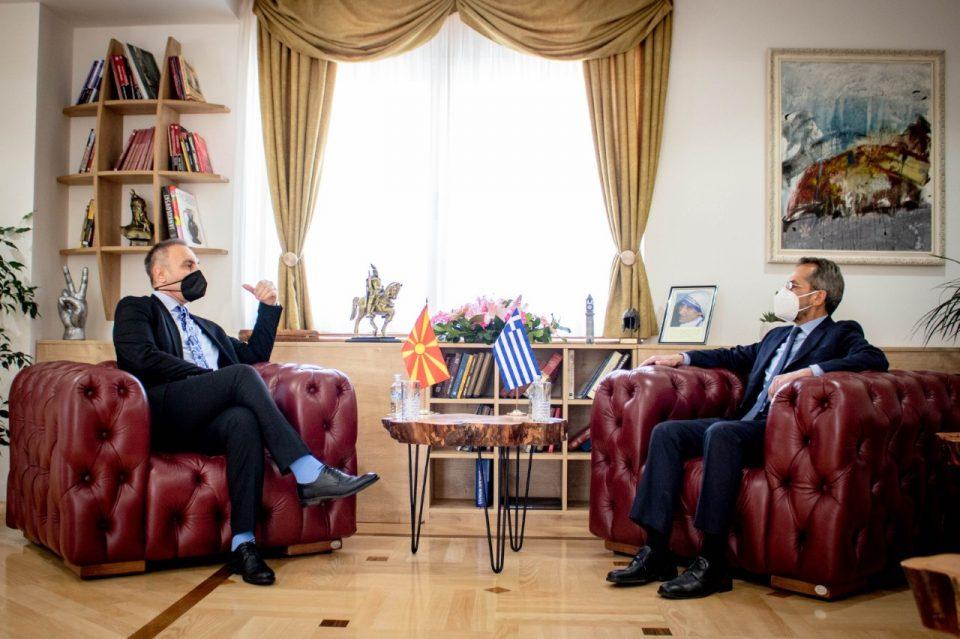 Груби – Кундурос: С. Македонија заслужува датум за преговори со ЕУ