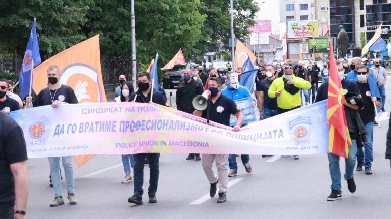 Протести на разединети полициски синдикти со исти барања