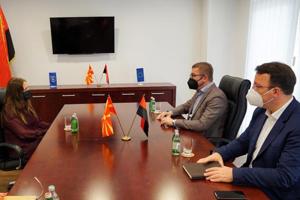 Мицкоски на средба со Галовеј: Македонија тоне на секое поле