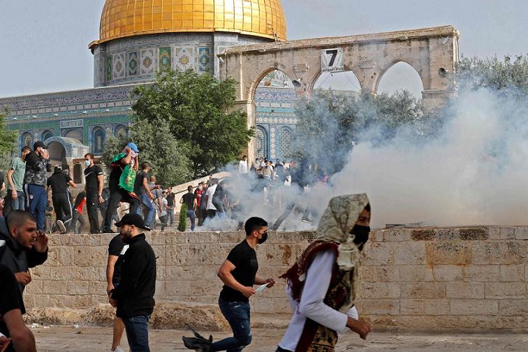 И покрај примирјето нови судири пред џамијата Ал Акса во Ерусалим