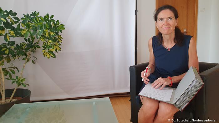 Холштајн: За Берлин е незамисливо ЕУ да даде зелено светло за Тирана, а не и за Скопје
