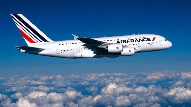 """Францускиот авиопревозник """"Ер Франс"""" ги прекинува летовите над Белорусија"""