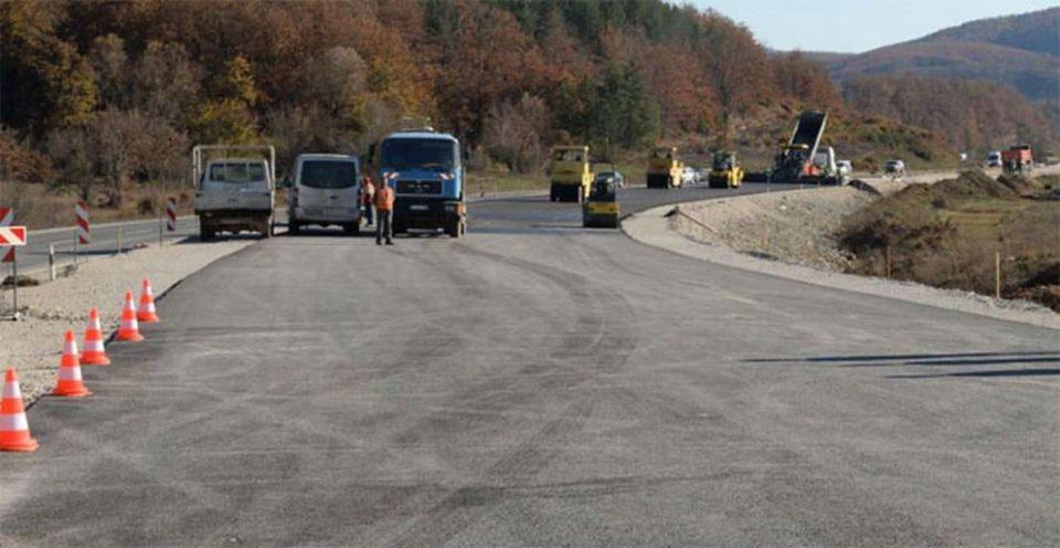 Прекин во сообраќајот на делницата Пресека- Врбјани